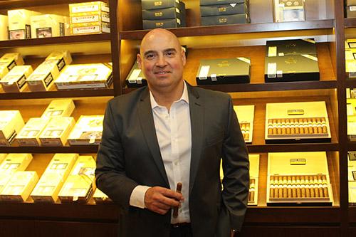 Gabriel Estrada, proprietário da Cohiba Atmosphere Buenos Aires